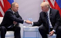 Ông Putin mời ông Trump thăm Nga dịp phô diễn khí tài quân sự
