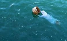 Kỳ lạ những Ama mặc đồ trắng lặn biển ở Nhật