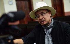 Đặng Lê Nguyên Vũ đến chờ từ sớm, phiên tòa vẫn bị hoãn