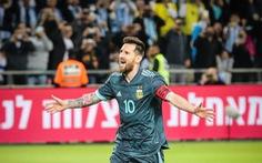 Messi sút phạt đền thành công giúp Argentina cầm hòa Uruguay