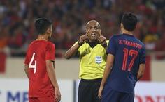 Luật FIFA cho thấy trọng tài Oman chưa chắc đã sai