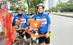 Đạp xe 300km để cổ vũ đội tuyển Việt Nam