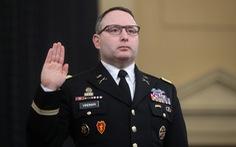 Sĩ quan và nghị sĩ Mỹ đốp chát nhau giữa phiên điều trần
