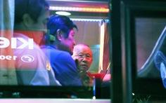 Tới TP.HCM trễ, ông Park hủy kế hoạch tập luyện cùng U22 Việt Nam