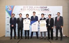 HLV đến từ Quỹ Real Madrid dạy bóng đá cho trẻ em có hoàn cảnh đặc biệt Việt Nam