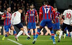 VAR và Firmino giúp Liverpool vượt ải Crystal Palace