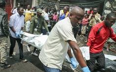 Máy bay chở khách đâm sầm xuống nhà dân, ít nhất 29 người thiệt mạng