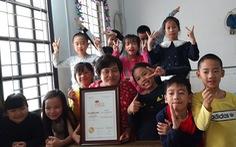 'Hạt cát nhỏ' Lan Anh 20 năm dạy tiếng Anh miễn phí cho trẻ nghèo, khuyết tật