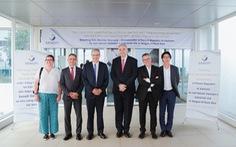 Tân Đại sứ Pháp đến thăm nhà máy Sanofi Việt Nam