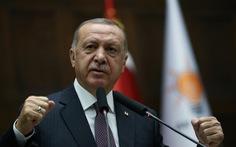 Thổ Nhĩ Kỳ và Pháp 'khẩu chiến' xung quanh vụ 'chết não'