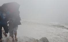 Áp thấp ở bắc Trường Sa khả năng mạnh lên, đất liền mưa lớn