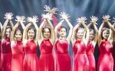 Hàng ngàn sinh viên chào đón 'tân binh' cùng hoàng tử mưa Trung Quân Idol