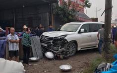 Va chạm xe Lexus biển ngũ quý 7, người phụ nữ đi xe máy tử vong