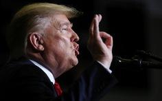 Ông Trump chế giễu đối thủ bỏ cuộc 'như một con chó'