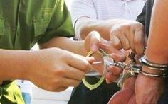 Vợ chánh văn phòng tòa án huyện sốc khi biết tin chồng bị truy nã