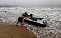 Cứu 4 người tắm biển Nha Trang suýt đuối nước