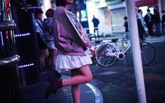 Cạm bẫy bóc lột tình dục chực chờ các nữ sinh Nhật