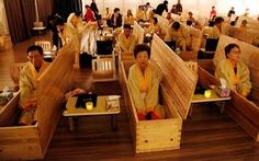 Người Hàn Quốc làm tang lễ giả để sống tốt hơn