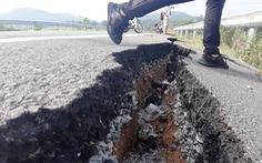 Vụ đường dẫn lên cầu vượt cao tốc nứt toác, giám đốc BQL dự án nói gì?
