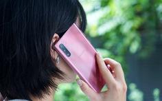Tại sao sắc hồng chiếm lĩnh giới công nghệ mùa cuối năm