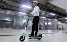 Singapore: Người sử dụng xe trượt điện trên lối đi bộ có thể bị phạt tù