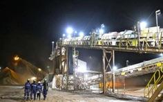 Tấn công đoàn xe chở công nhân công ty khai khoáng Canada, hơn 90 thương vong