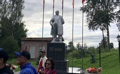 Tượng đài Lenin trên dặm dài đôi bờ Volga