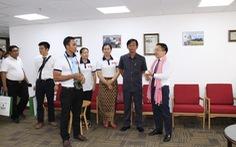Các nhà báo Campuchia thích thú với Trung tâm báo chí TP.HCM