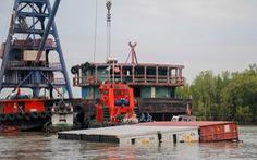 'Kẹt đường' ra vào cảng TP.HCM