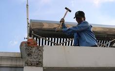 Tháo dỡ nhà xây sai phép của nguyên Chánh thanh tra xây dựng
