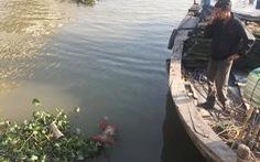Tìm thấy thi thể bé trai bị mẹ ném xuống sông trước khi nhảy cầu tự tử