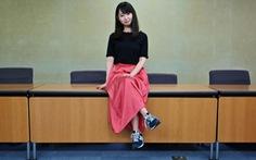 Phụ nữ Nhật tức giận vì đeo kính đi làm bị xem là 'khiếm nhã'