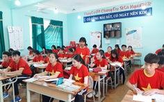 Cả lớp mang áo cờ đỏ sao vàng trong giờ học 'tiếp lửa' U22 Việt Nam