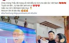 Văn Hậu 'khoe' ảnh nhận huy chương, Trọng Hoàng cảm ơn CĐV trên Facebook