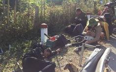Xe chở đoàn người khuyết tật đâm vào vách núi, 2 người chết