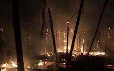 4 nhà hàng tại Hội An bốc cháy ngùn ngụt lúc rạng sáng