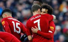 Thắng Watford, Liverpool hơn Man City 17 điểm