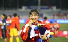 Cầu thủ nữ Việt Nam: Phía sau huy chương vàng là sự cơ cực