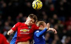 Mất điểm trước Everton, MU bị Tottenham vượt mặt