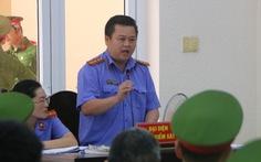 Tranh luận kịch tính tại phiên tòa xử cựu bí thư Bến Cát