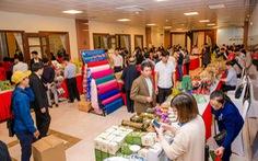 'Vua hàng hiệu' Johnathan Hạnh Nguyễn chỉ cách bán đặc sản cao cấp