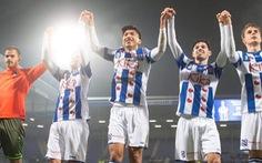 Văn Hậu ra sân lần đầu và ăn mừng chiến thắng với Heerenveen