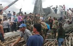 Sập chùa đang xây, hàng chục người Campuchia bị vùi lấp