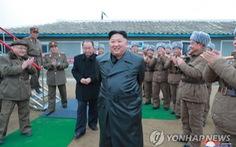 Ông Kim Jong Un gây tranh cãi khi thay đổi phong cách thời trang