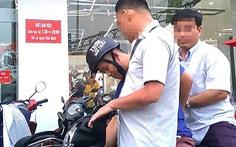 Bắt thiếu úy công an và bảo vệ dân phố cưỡng đoạt tài sản sinh viên