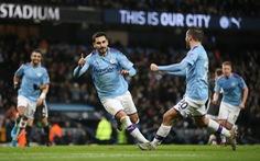 Thắng ngược 'hiện tượng' Leicester, M.C thu hẹp khoảng cách với Liverpool