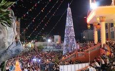 Sài Gòn lung linh trước đêm Giáng sinh