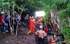 Vào hang thám hiểm gặp mưa lớn, 3 sinh viên Indonesia thiệt mạng