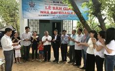 Blue Sea Group bàn giao nhà Đại đoàn kết và trao học bổng cho học sinh