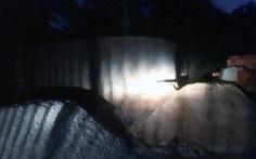 Thi thể người đàn ông trong lu nước ở khu mộ cổ Bình Dương